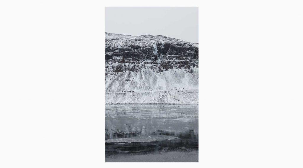 Vesturland nº19 – Islandiya, Insel der Zeit, 2020 – Photograph – Pigment print on cotton paper, 50 x 70 cm