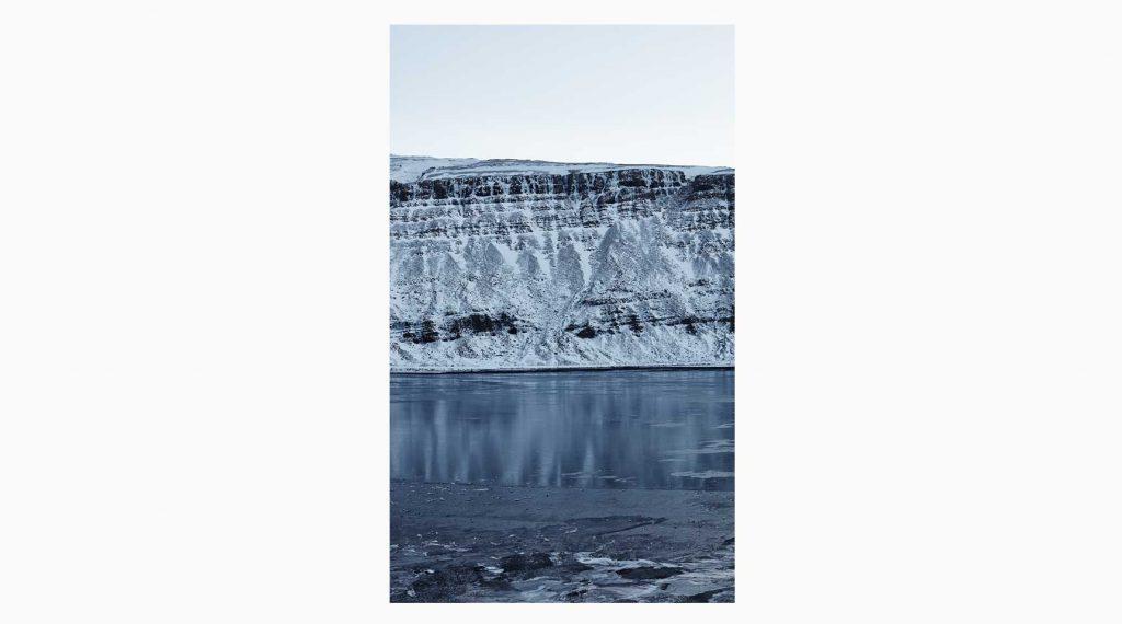 Vesturland nº14 – Islandiya, Insel der Zeit, 2020 – Photograph – Pigment print on cotton paper, 50 x 70 cm
