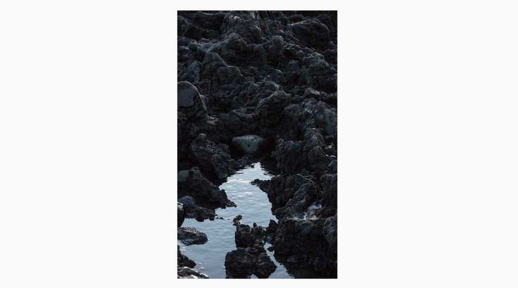 Vesturland nº22– Islandiya, Insel der Zeit, 2020 –  Photograph – Pigment print on cotton paper, 70 x 50 cm