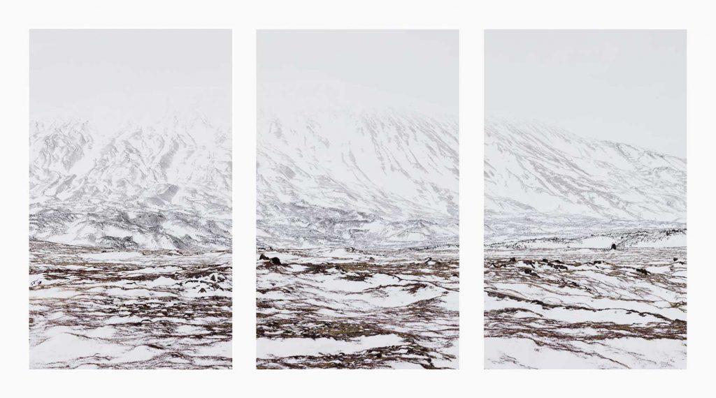 Vesturland nº3 – Islandiya, Insel der Zeit, 2020 – Photograph – Pigment print on cotton paper,  70 x 150 cm, triptych