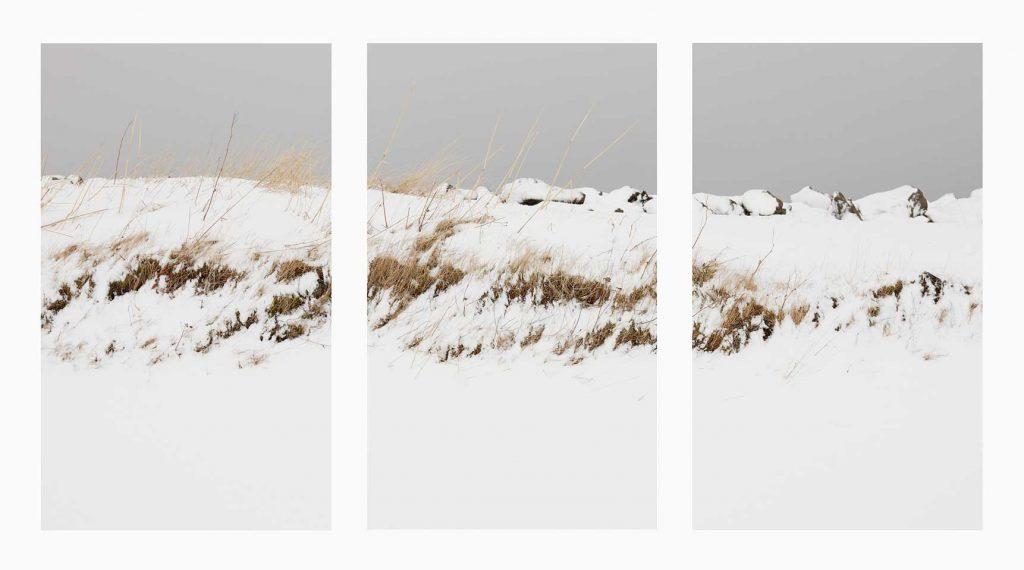 Suðurland nº22 – Islandiya, Insel der Zeit, 2020 – Photograph –Pigment print on cotton paper,  70 x 150 cm, triptych