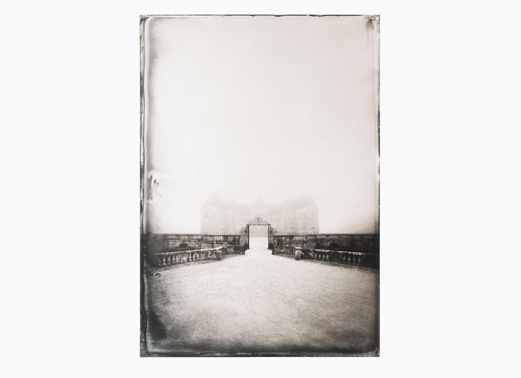Grille de la cour d ́ Honneur – Château de Vaux-le-Vicomte, 2014  – Wet plate collodion as pigment print on cotton paper, 120 x 90 cm